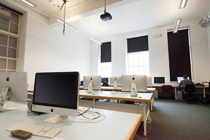 Wyposażenie biura – jakie artykuły biurowe?