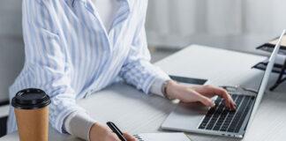 Czy szkolenia online są lepsze od stacjonarnych